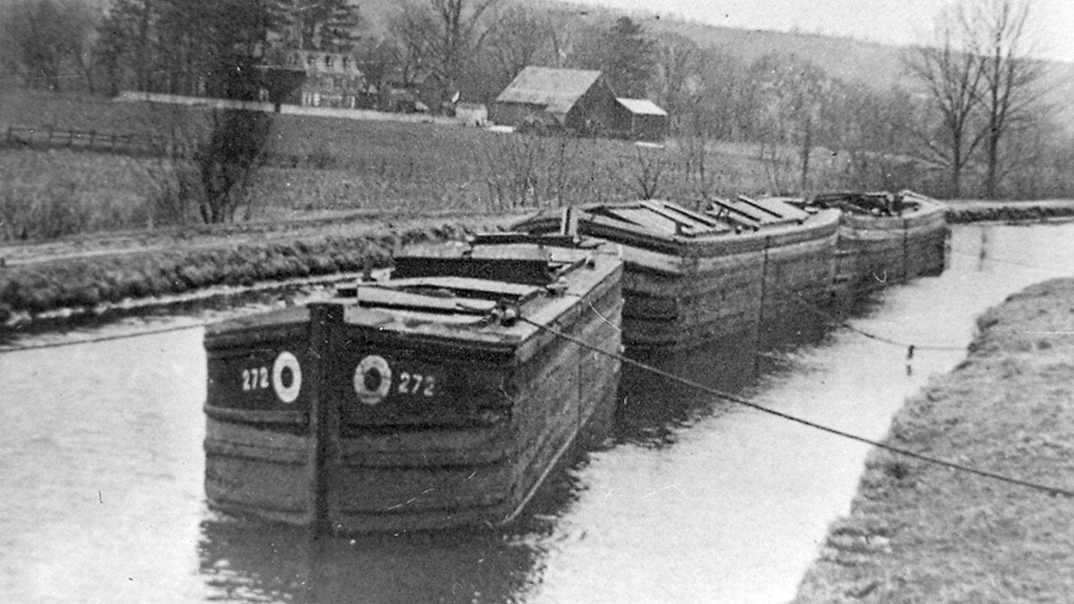 When it was time to stop for the night or on Sundays this is how canal boats would tie up to the banks.