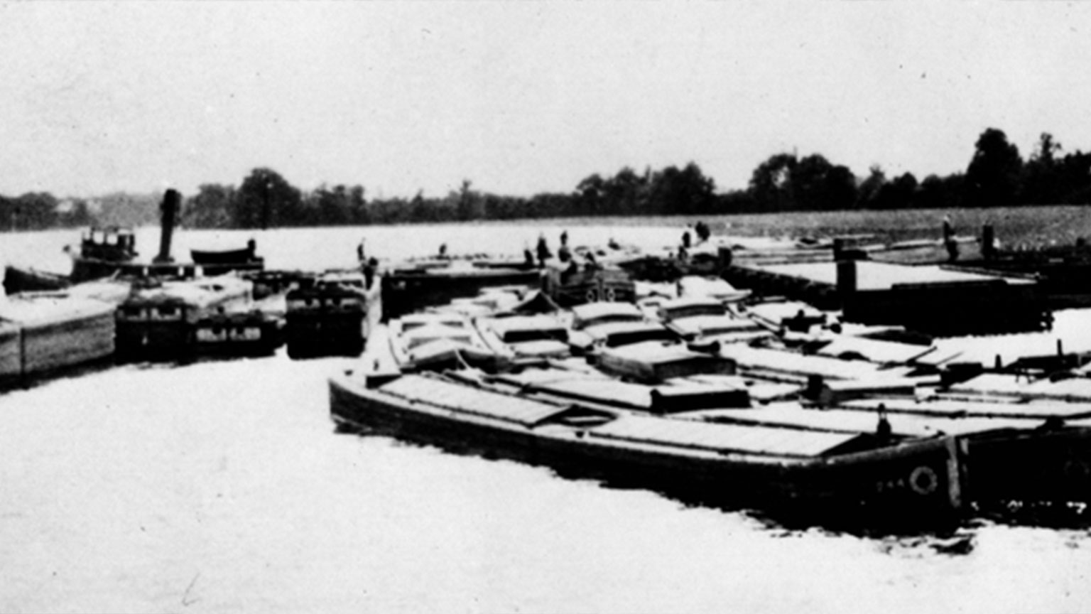 Just as mule ferries needed to transport mules, canal boats needed to be pulled by tugboats as they had no engine without the mules.