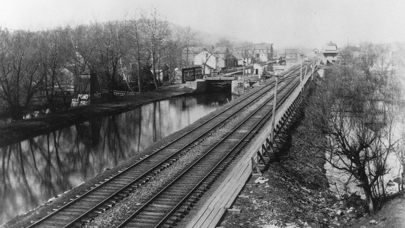 Railroads start to take over and canals slow down.