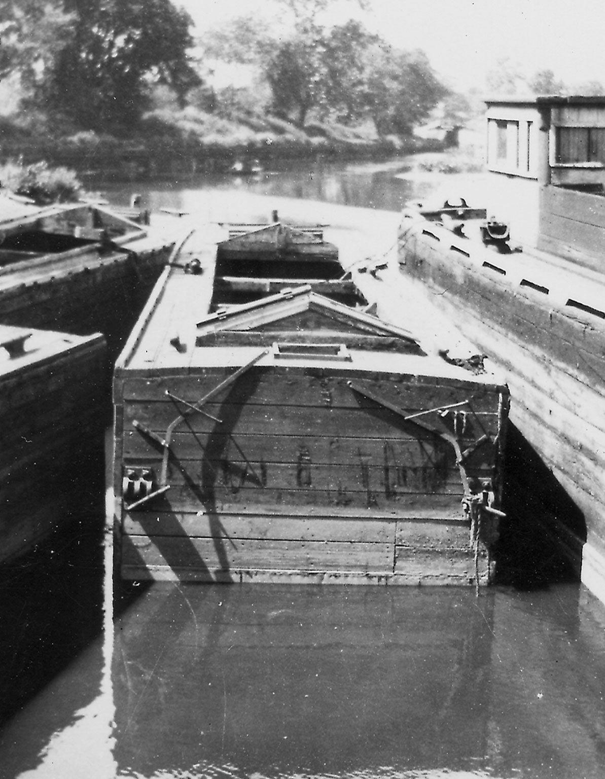 This view of a deck shows you what a deck looked like when the hatches were open revealing the coal being stored below.