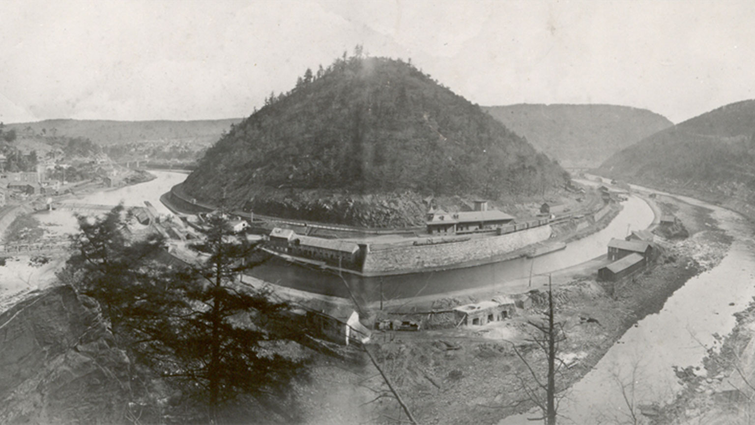 This picture does a nice job of illustrating how prominent Bear Mountain was.