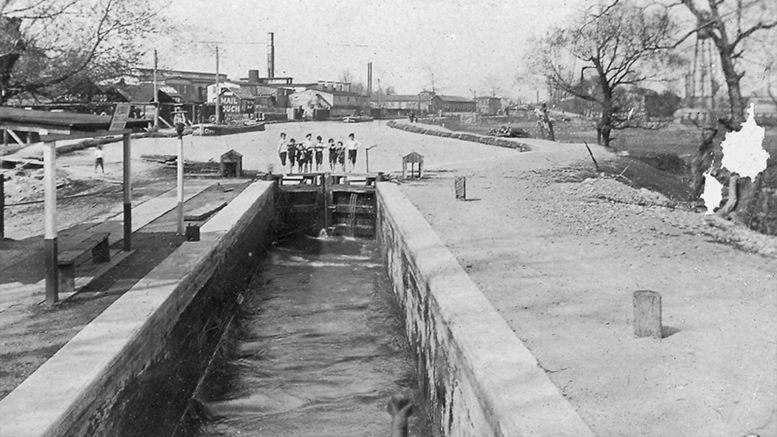 When school was not in session children would entertain themselves by watching the locks that were near their homes.